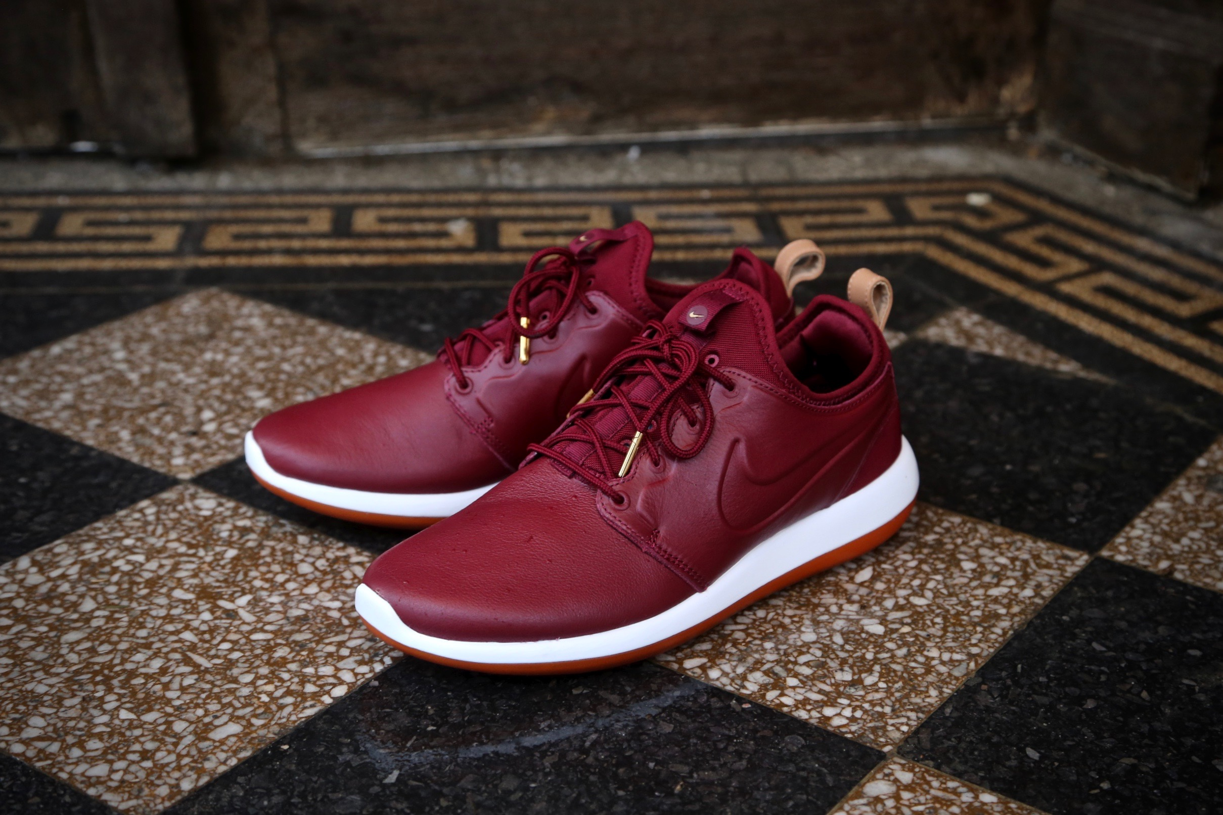 10327dc883c1 Nike Roshe Two Leather PRM – Team Red   Team Red – STASP