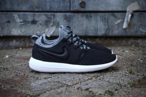 0d2153c9aee Nike W Roshe Two SE - Black   Black