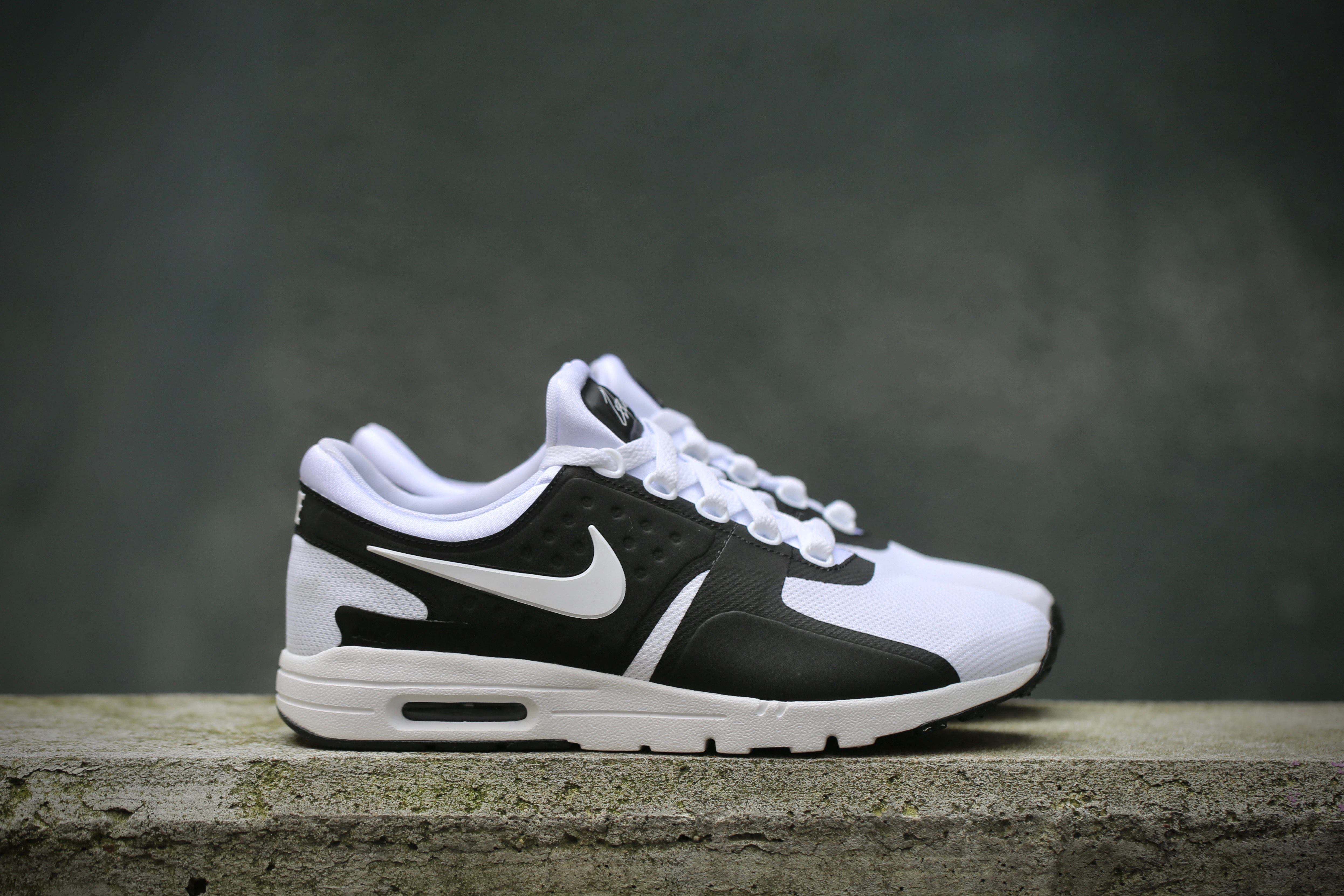 new style 97d35 1266a Nike W Air Max Zero - Black / White