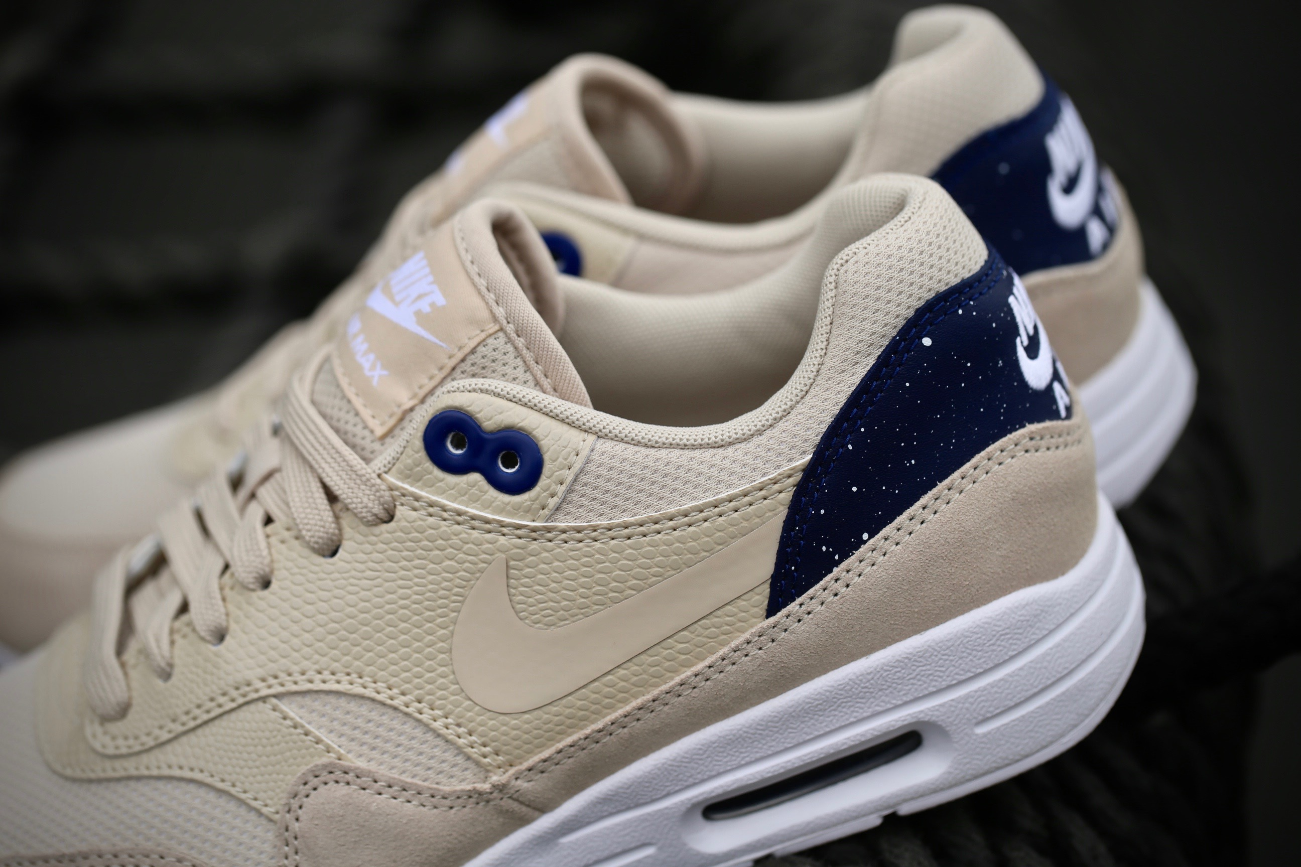 Nike W Air Max 1 Ultra 2.0 Oatmeal Binary Blue White