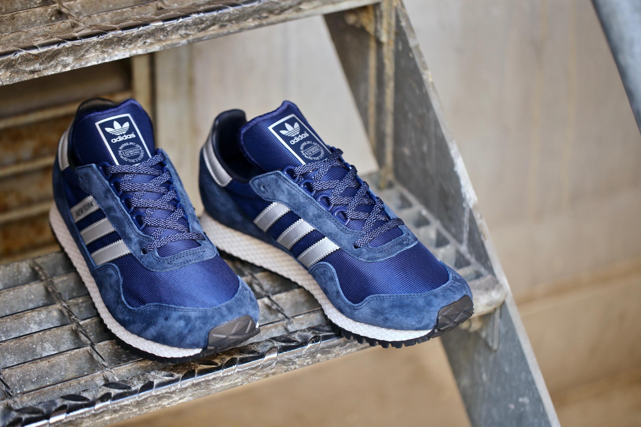 adidas Originals New York – Dark Blue Matte Silver