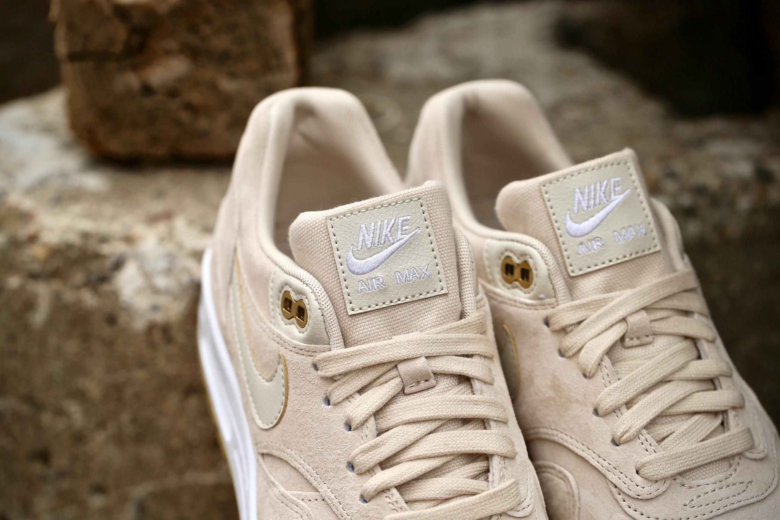 Nike Wmns Air Max 1 SD – Oatmeal White Gum Light Brown