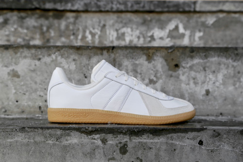 meet 55f3d 6afea adidas Originals BW Army - Ftwr White  Chalk White