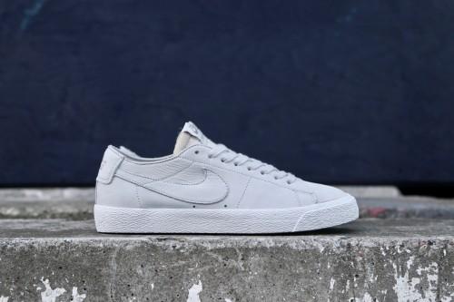 8fe7fd182046 Nike SB Zoom Blazer Low Decon - Light Bone   Khaki