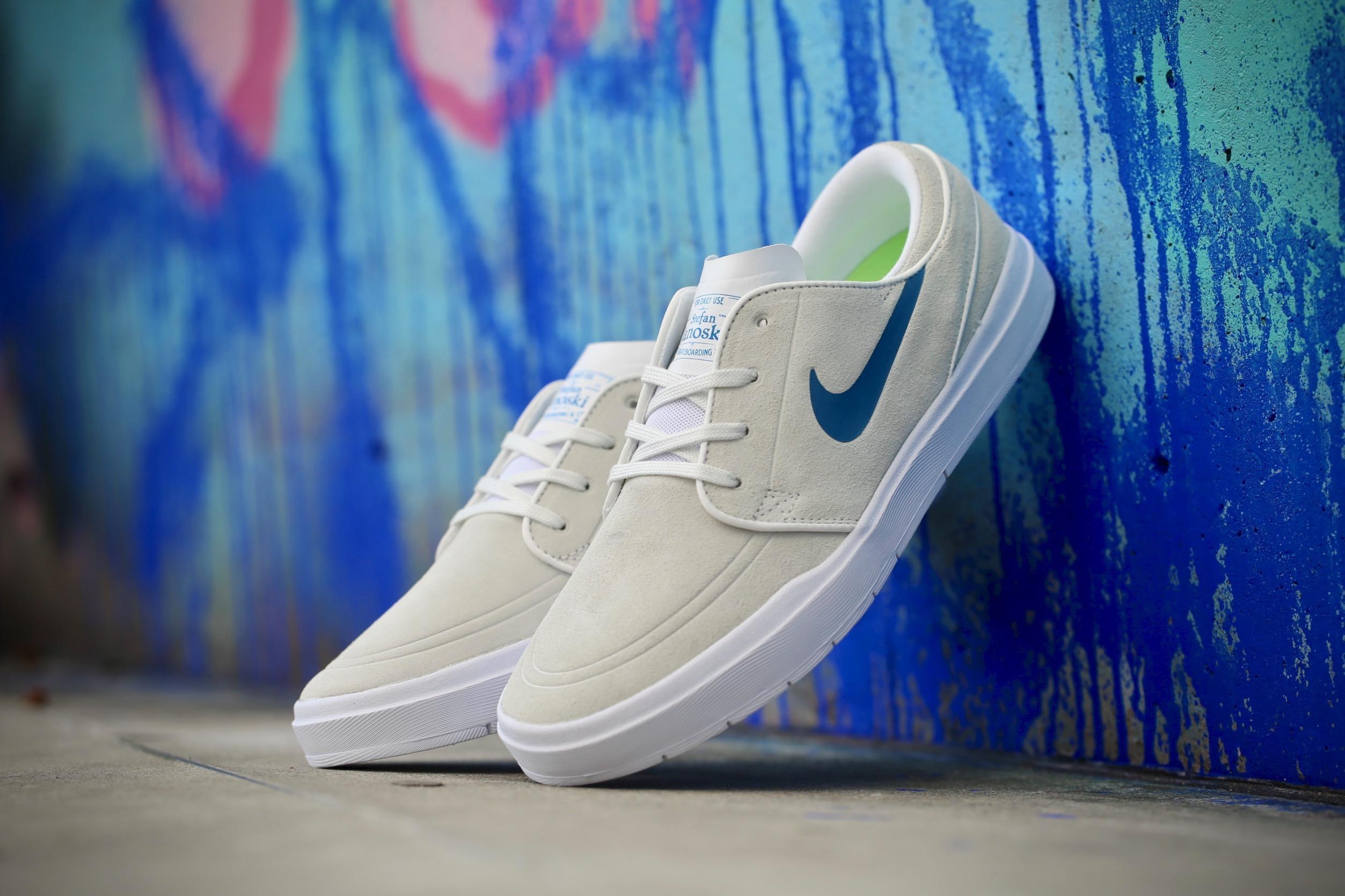 Nike SB Stefan Janoski Hyperfeel – Summit White   Industrial Blue ... 9d8bd6b28