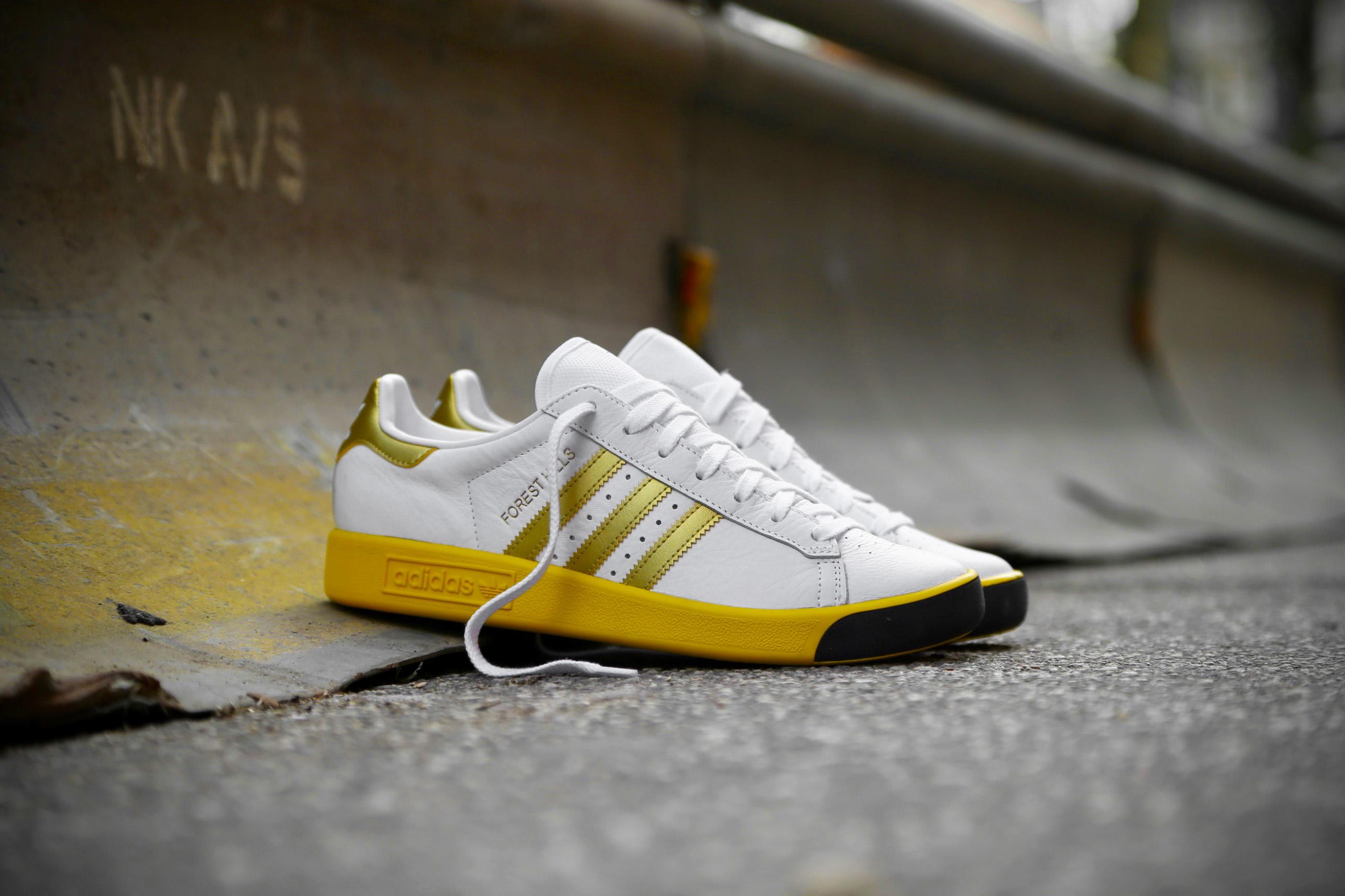adidas Originals Forest Hills – Ftwr White   Gold Metallic   EQT ... dc6e3cfcc