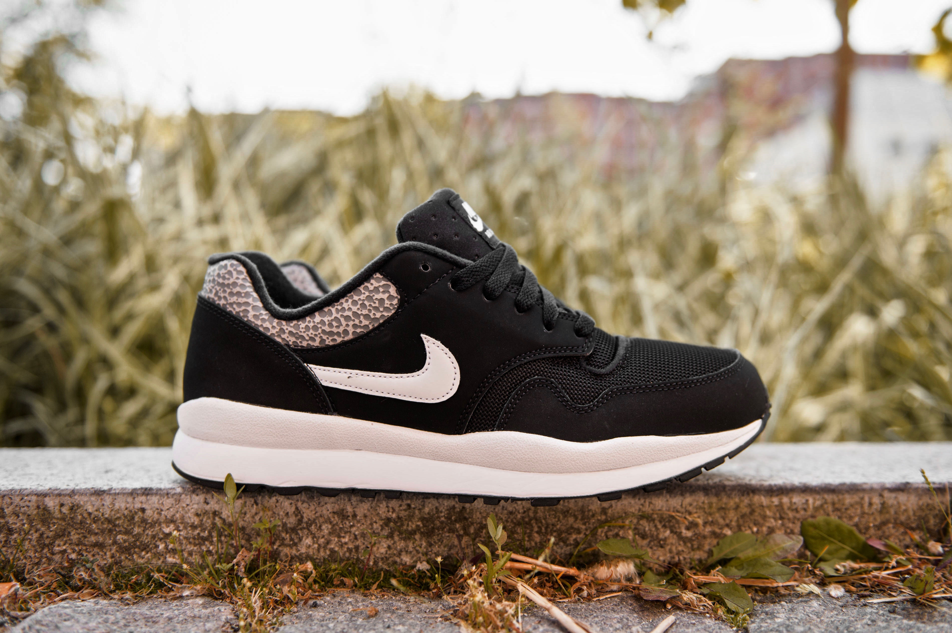 brand new 21c87 fed55 ... nike air safari black