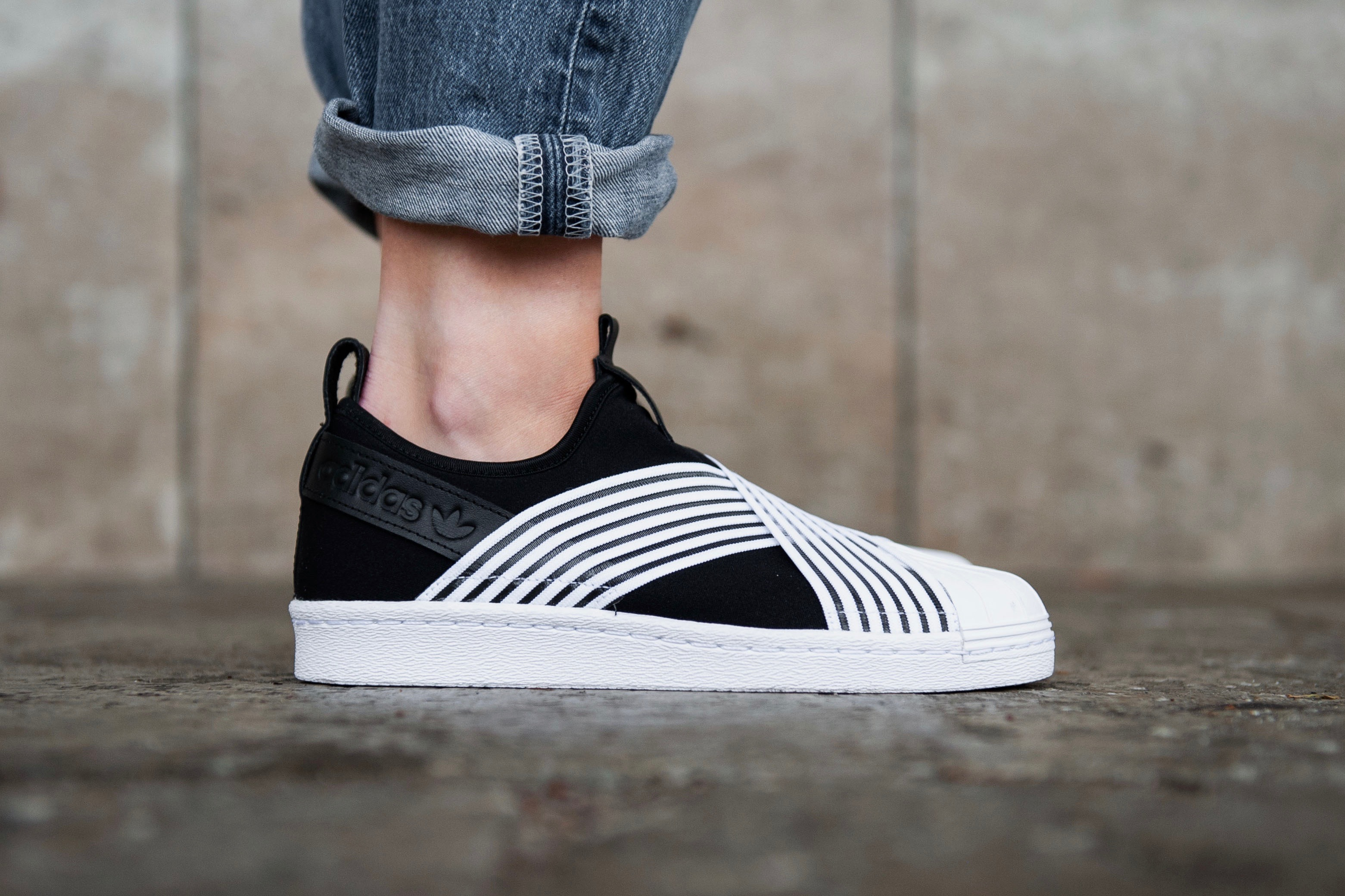 new product 0e2dd 34b32 adidas Originals Superstar Slip On W - Core Black / Ftwr White