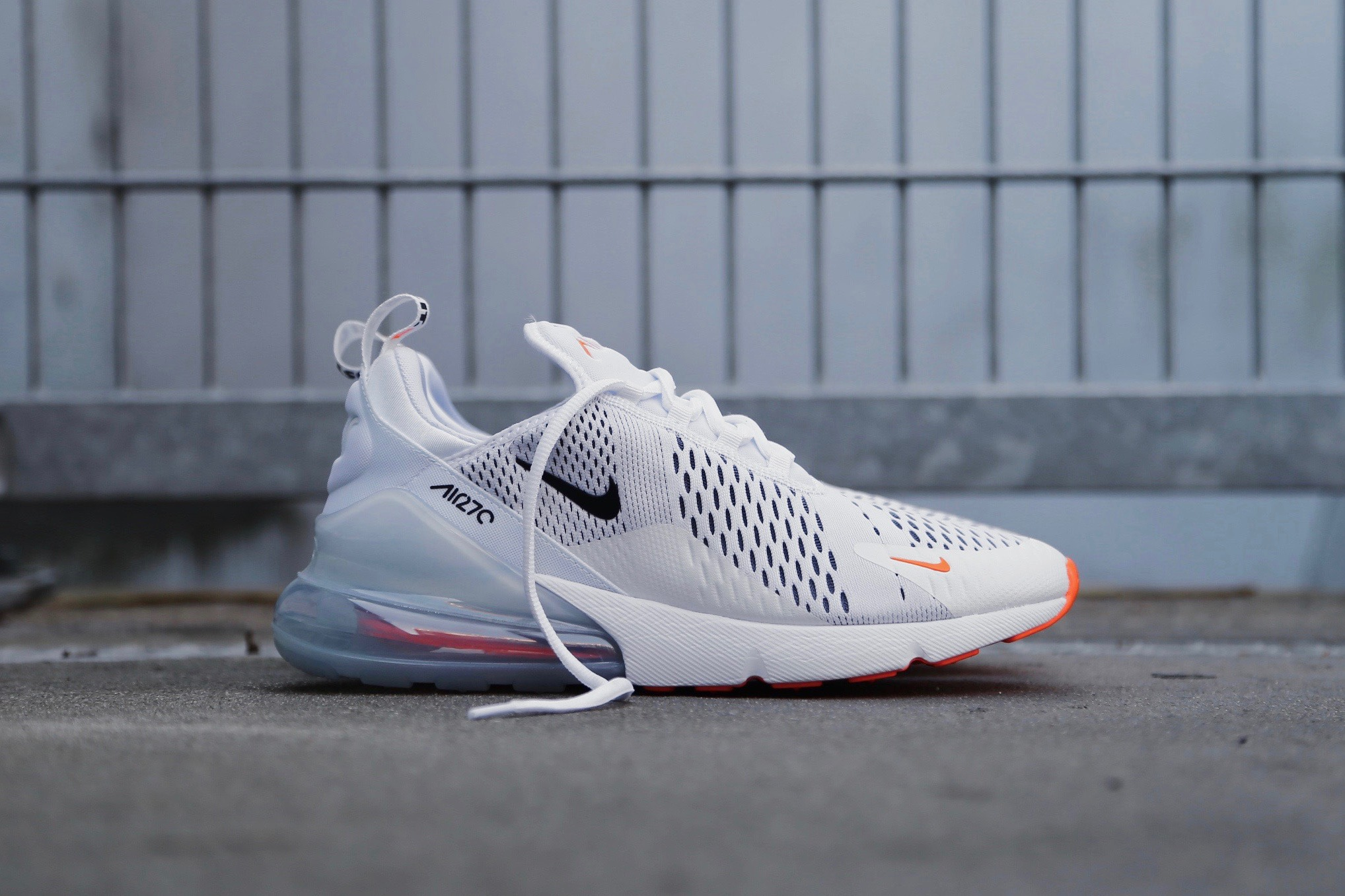 cozy fresh bf7a1 c247e Nike Air Max 270 - White / Total Orange / Black