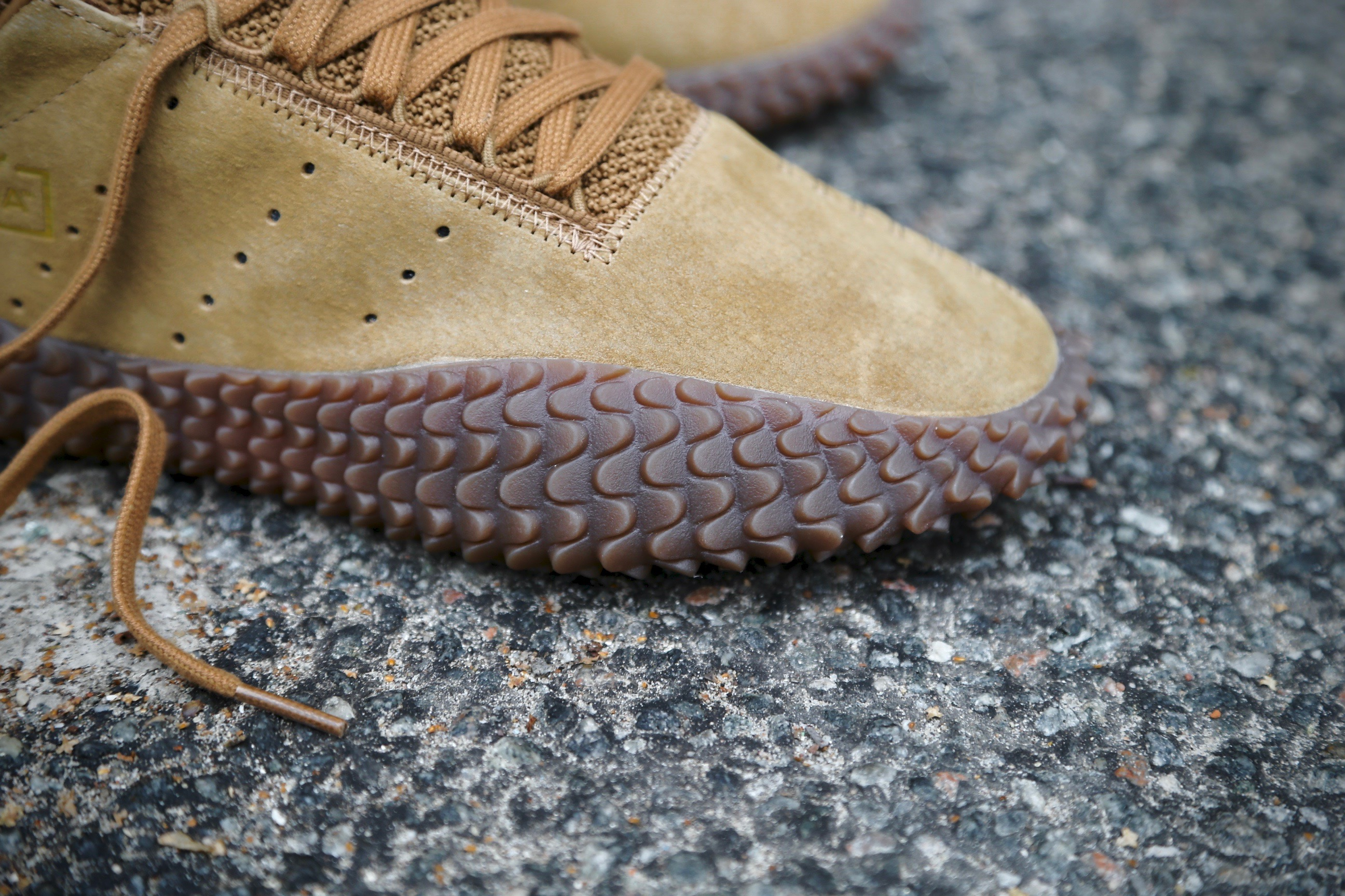 adidas Originals Kamanda – Brown Raw Desert Crystal