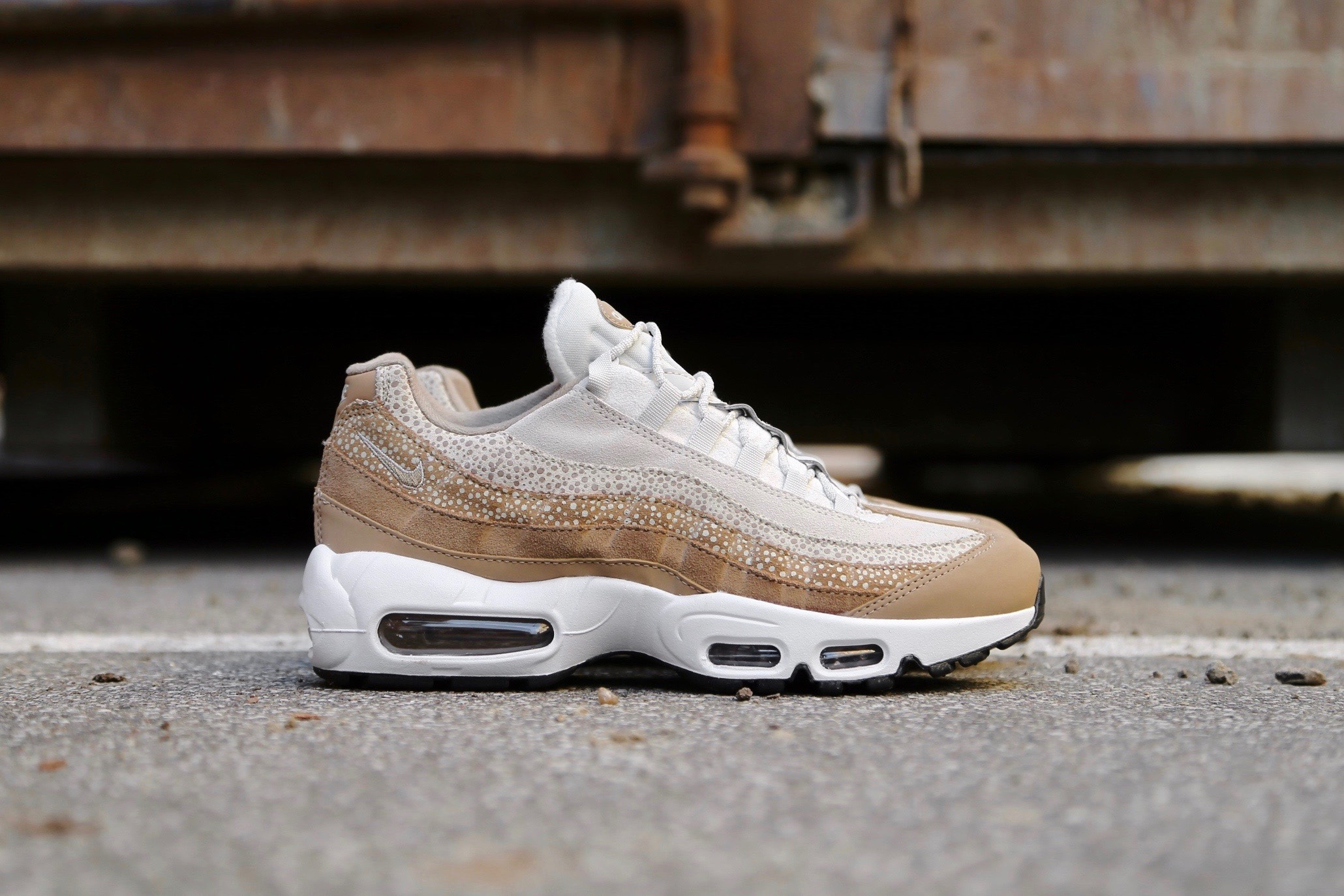 Nike W Air Max 95 PRM Canteen Light Bone Black