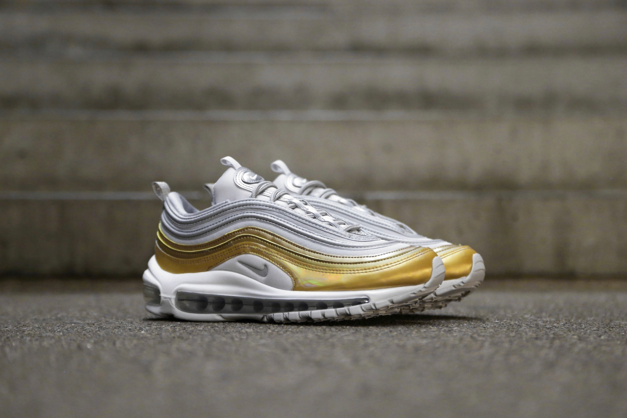 fc6186defa0ac Nike W Air Max 97 SE Metallic – Vast Grey / Metallic Gold / Summit ...