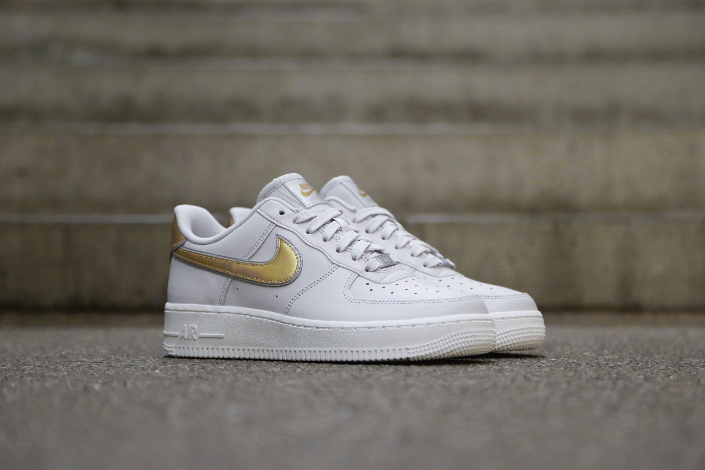 air force 1 07 metallic gold