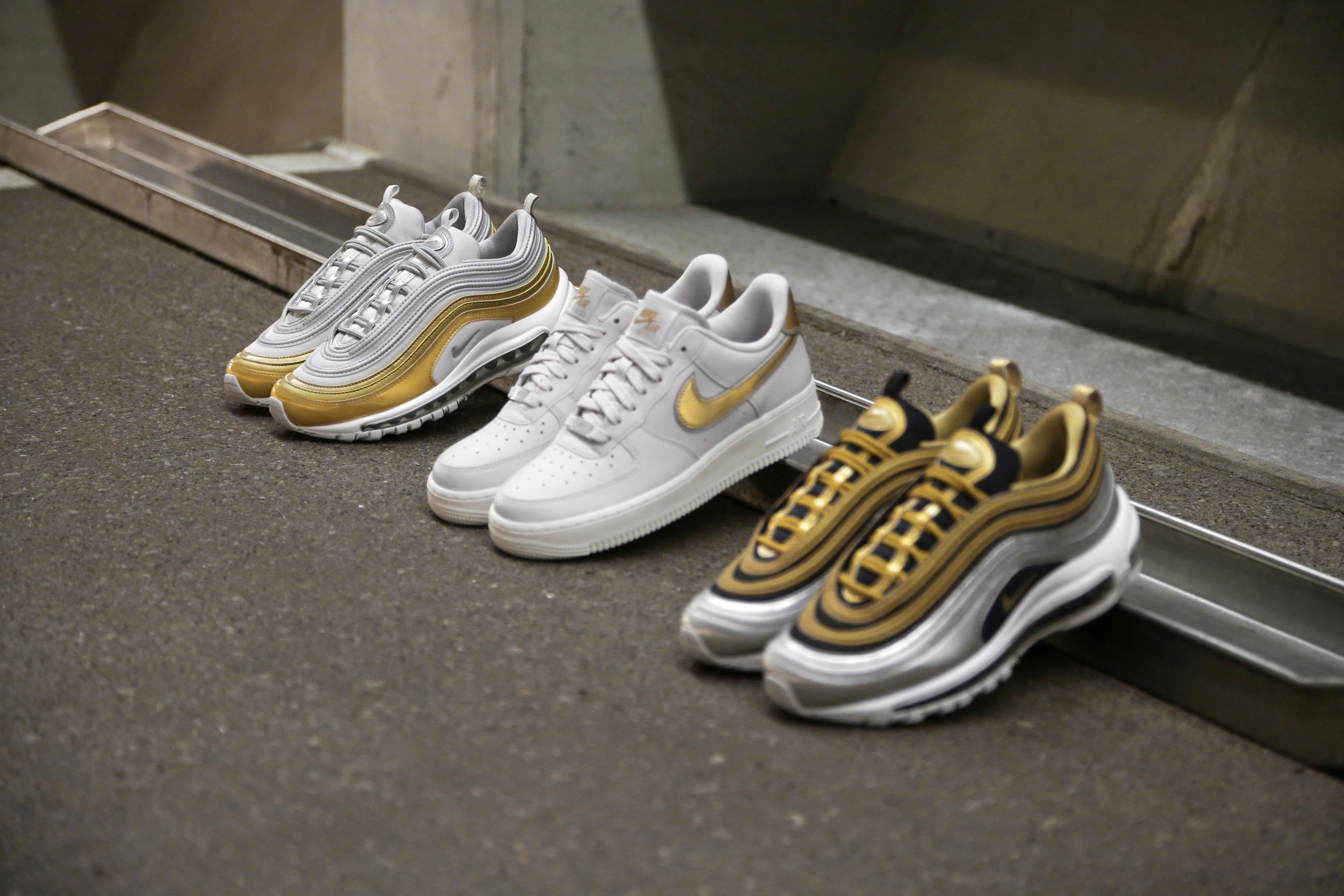 Nike W Air Max 97 SE Metallic Vast Grey Metallic Gold Summit