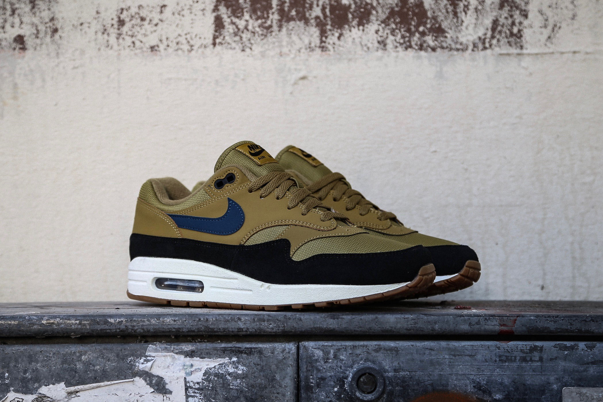Nike Air Max 1 Golden Moss Blue Force