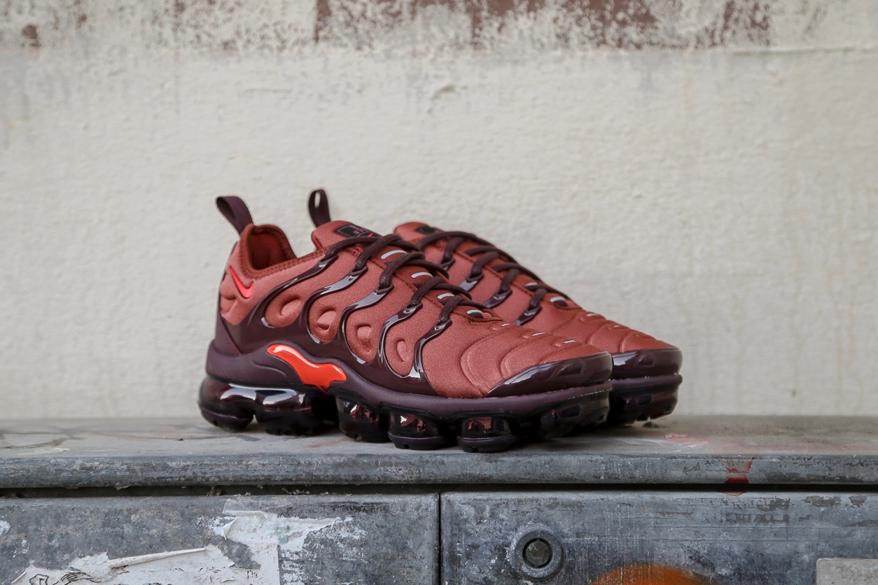 new concept 7a07a 2f313 Nike W Air Vapormax Plus - Burnt Orange / Burgundy Crush / Reflect Silver /  Habanero Red
