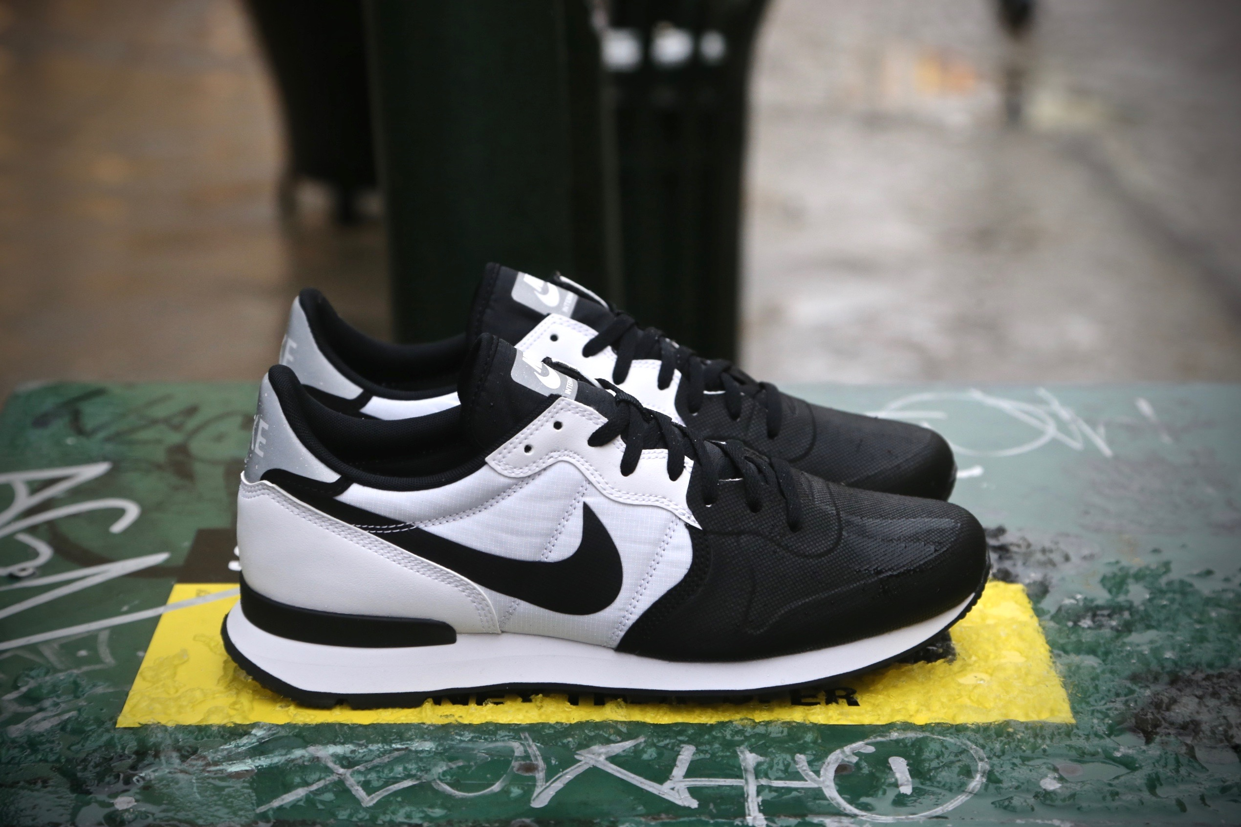 2nike internationalist se