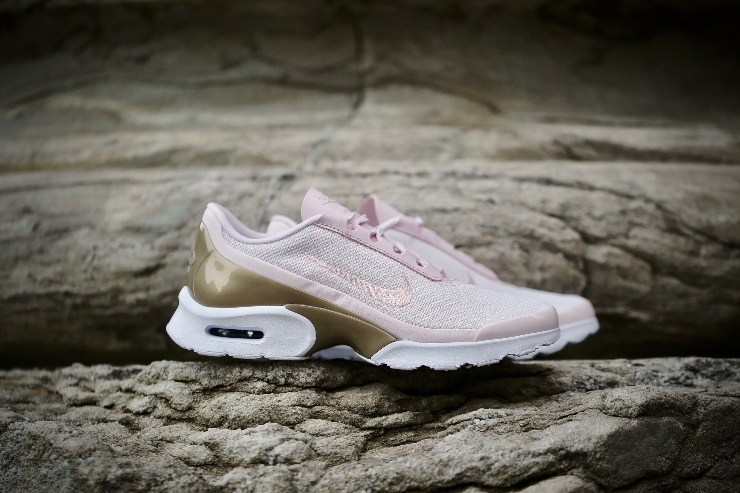 finest selection 406b5 5c668 Nike W Air Max Jewell PRM – Pearl Pink   Gold – STASP