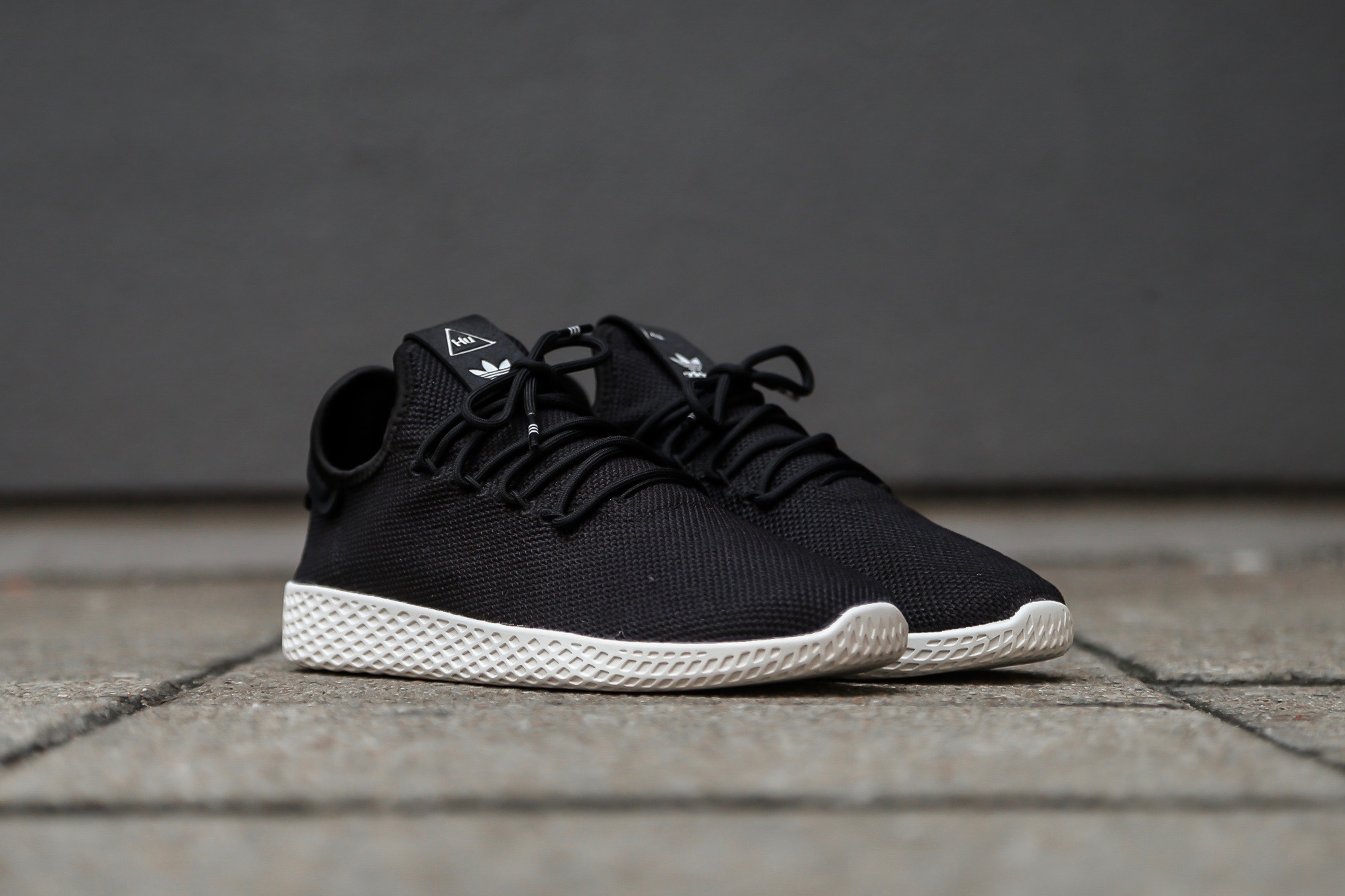 adidas Originals Pharrell Williams Tennis HU - Core Black / Chalk White