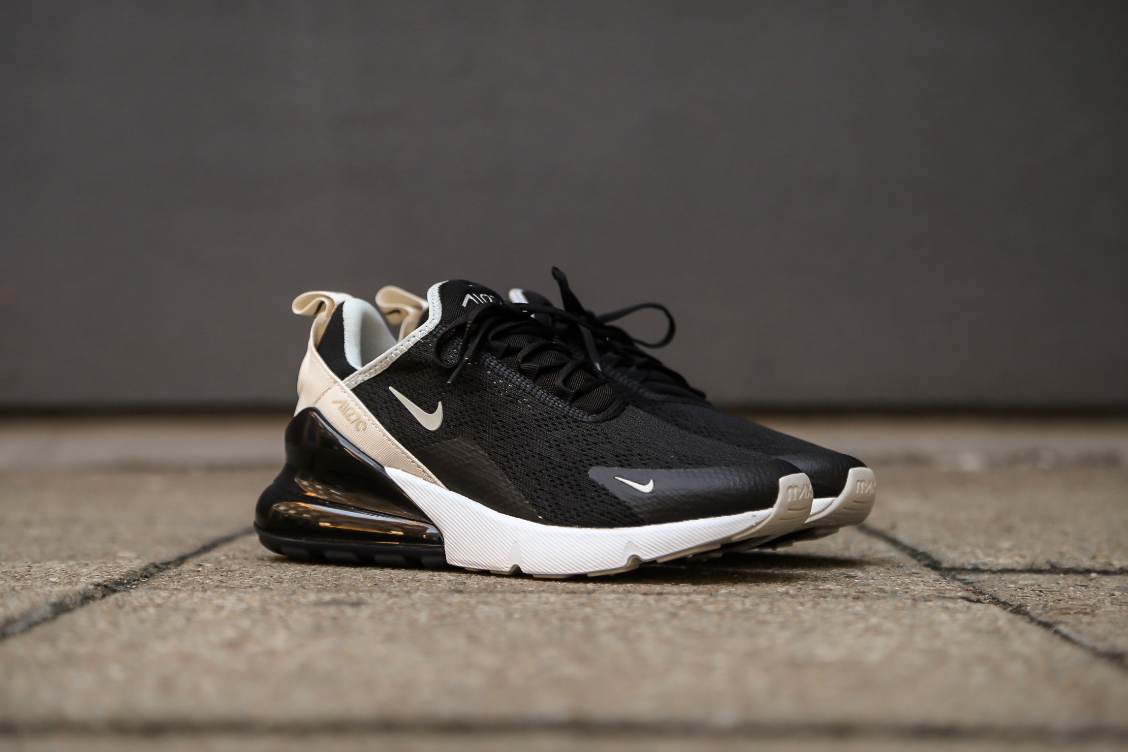 size 40 2cff4 b76c5 Nike W Air Max 270 - Black / Light Bone / Platinum Tint