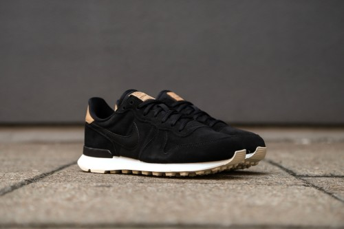sale retailer 54739 5c1a1 Nike W Internationalist PRM - Black  Summit White  Light Cream