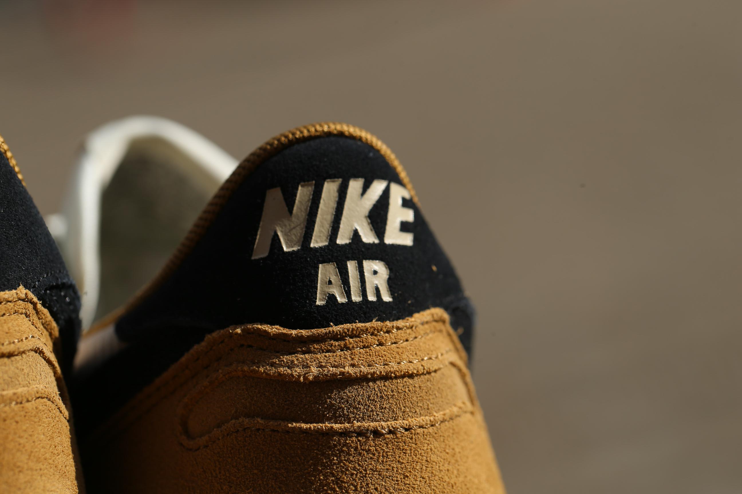 Supresión A escala nacional Realista  Nike Air Vortex – Golden Beige / Black – STASP